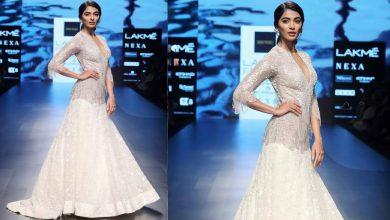 Pooja Hegde Walks For Ridhi Mehra | Spring/Summer 2018 | Lakme Fashion Week