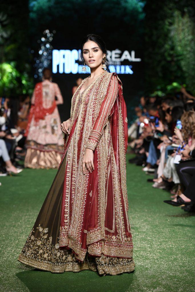 Nida Azwer,fashion designer,model,pfdc19
